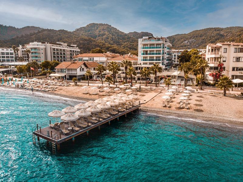 Emre Beach Otel yeni sezona hazır