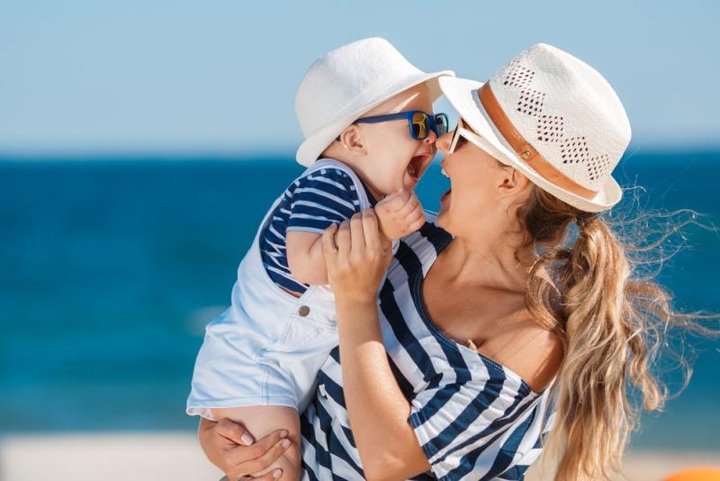 Bebekleri güneşten koruma yolları